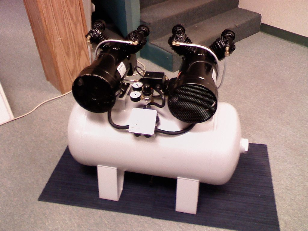 image of a dental air compressor